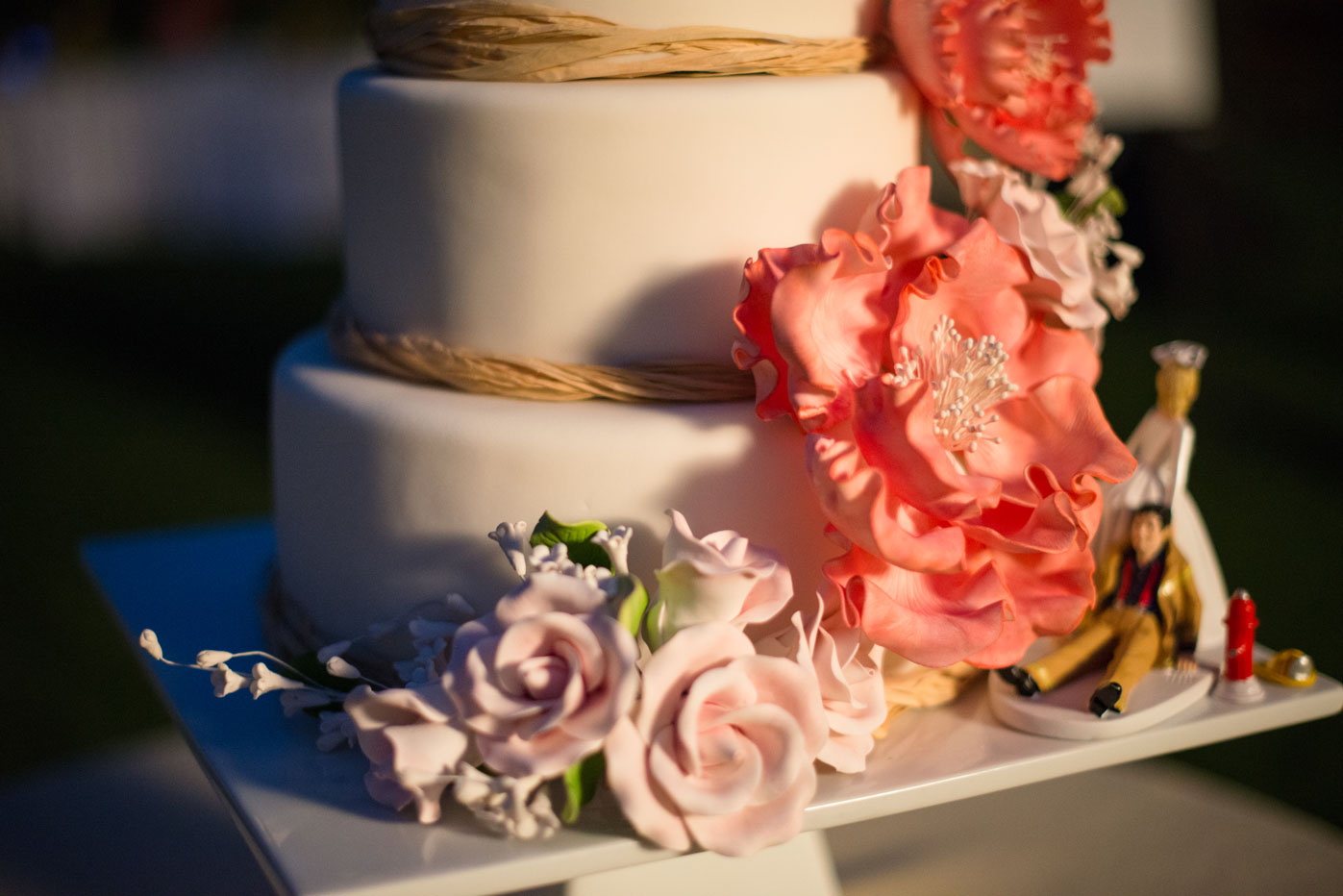 J Barry Designs Cake with coral flowers1