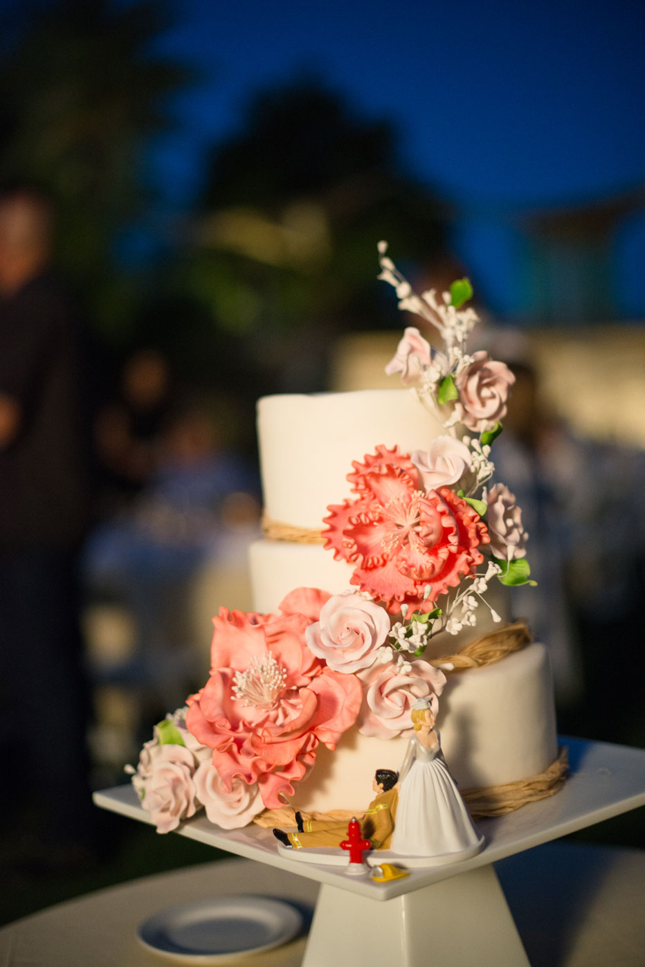 J Barry Designs Cake with Coral Flowers 2